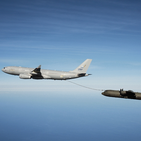 RAF completes first Voyager three-point tanking flight