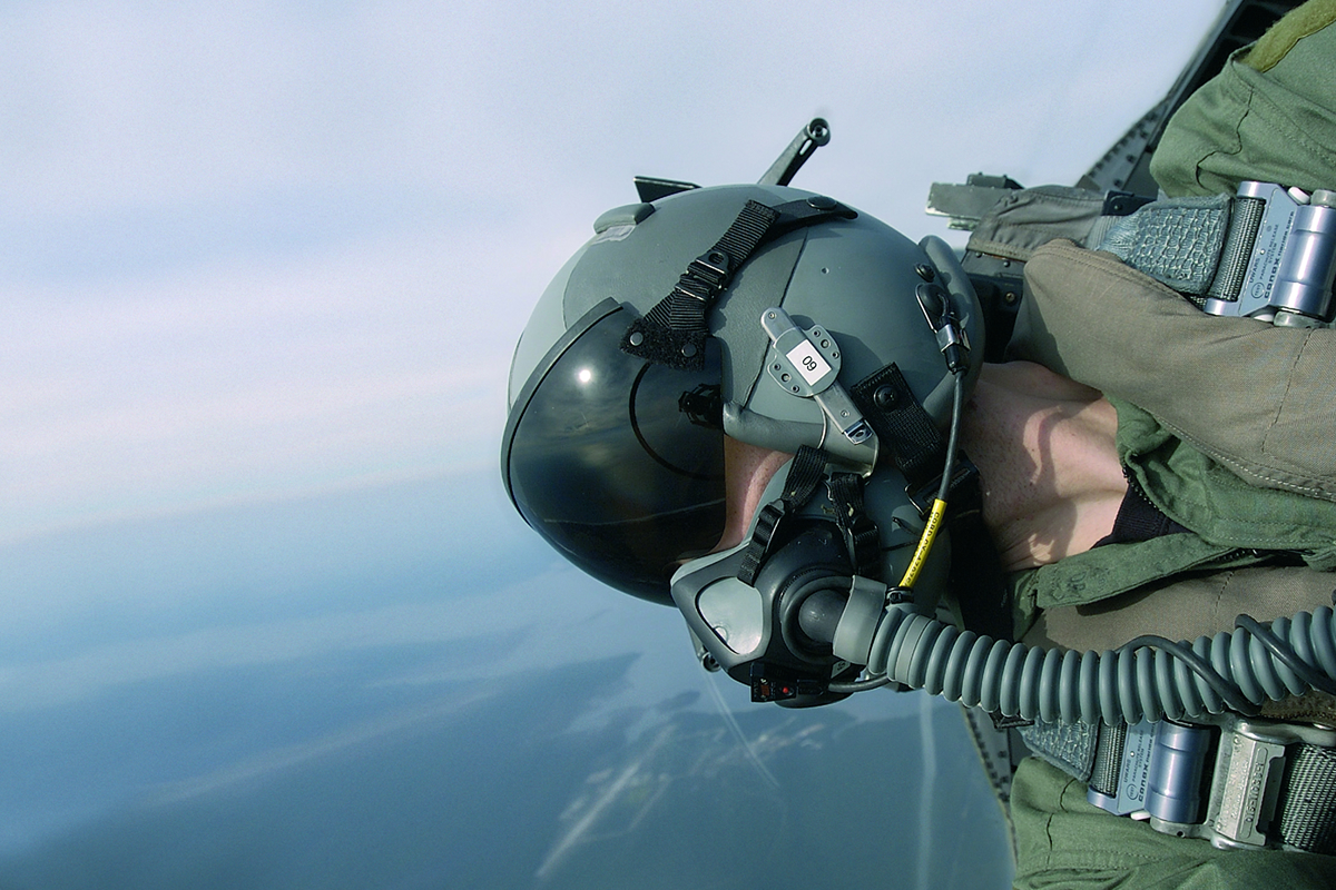 Cobham to Develop Fast Jet Auto-Response Breathing Regulator